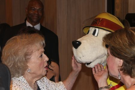 Betty White and Sparky2