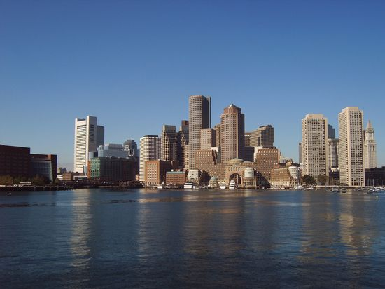 Boston_skyline_from_the_Atlantic_Ocean