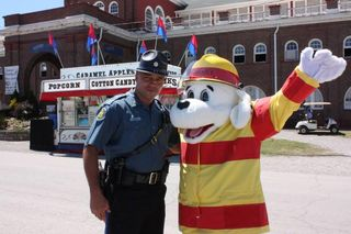 Sparky and State Trooper 2 (3)