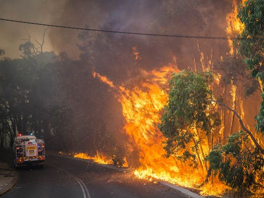 Picture from AP wire-Australia-Wildfire